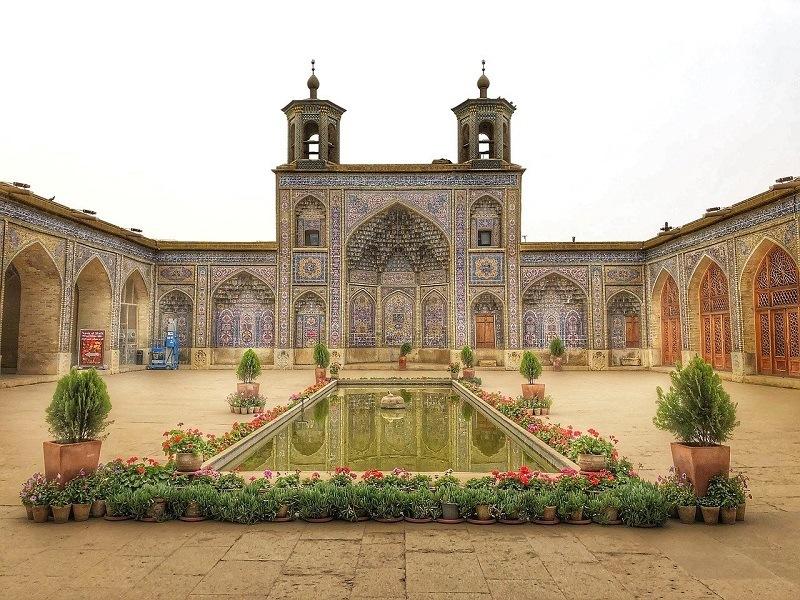 travel to iran tehran nasir ol fluid mosque