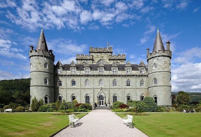luxury holidays in europe castle stay