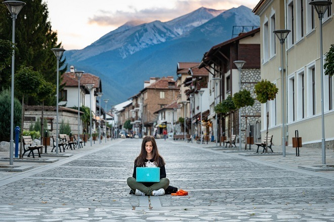 benefits of finding the best affiliate marketing course become digital nomad