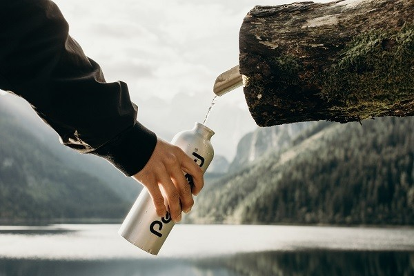 reusable water bottle for travel abroad