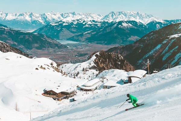 is skiing in Austria expensive